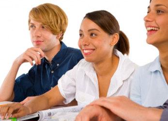 Sprawdź jak możesz dać dziecku szansę na międzynarodową edukację. Polscy maturzyści zasilają szeregi najlepszych uczelni na świecie