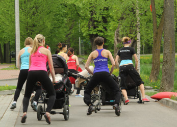 BuggyGym nowe miejsce aktywności fitness dla rodzica z małym dzieckiem.