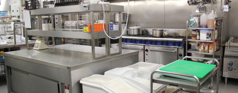 Profesjonalna aranżacja zaplecza kuchennego