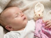 4 sposoby na to, jak uspokoić niemowlę i pozwolić mu zasnąć