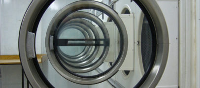 Jak krok po kroku otworzyć franczyzową pralnię chemiczną?