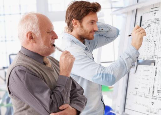Dlaczego warto zatrudniać seniorów?