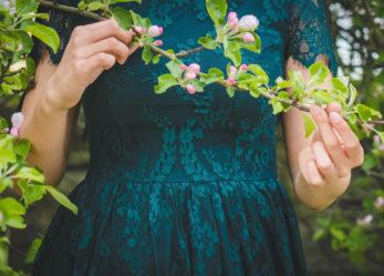 Sukienka na wesele – czym się kierować podczas wyboru