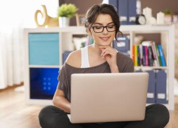 Czy warto korzystać z księgowości uproszczonej online?