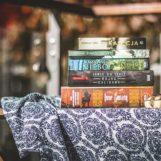 Warto przeczytać – Kinga Suchecka W poszukiwaniu szczęścia