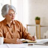 Bezrobocie nie patrzy na wiek.  Czy po pięćdziesiątce jest szansa na pewne zatrudnienie?