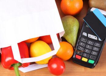 Terminal płatniczy. Dlaczego warto płacić bezgotówkowo?