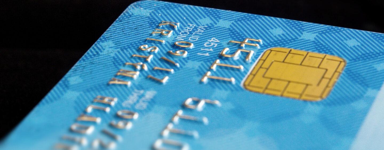 Jak powinniśmy płacić kartą przez internet?